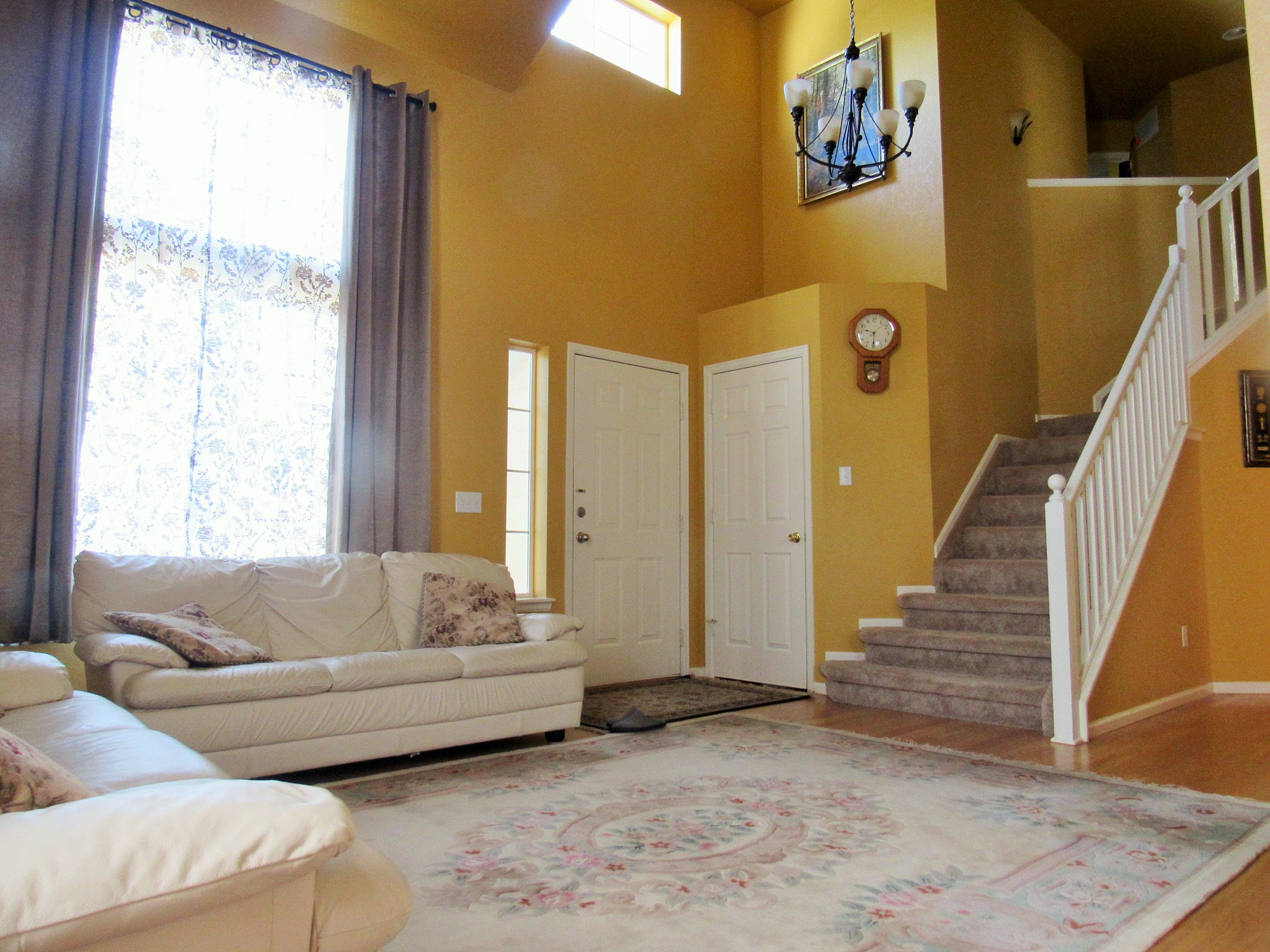 Beautiful two story home in Aurora